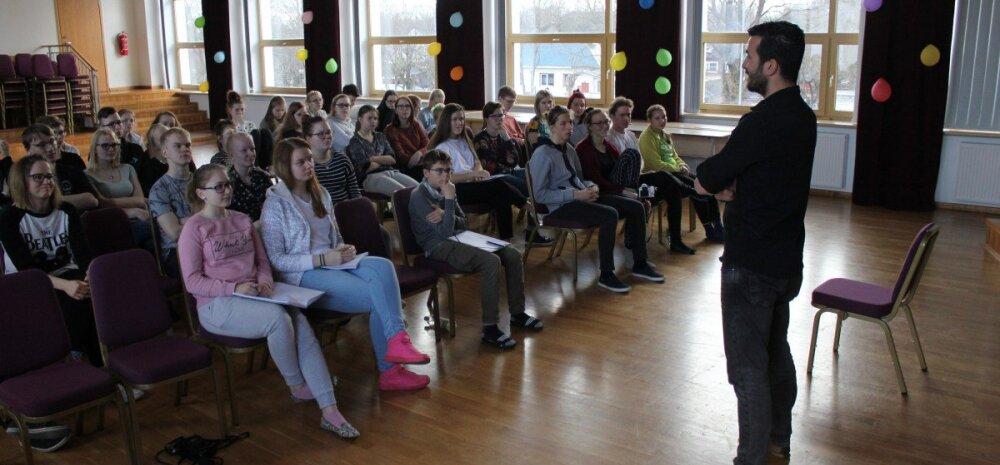 Noorte ajakirjandushuviliste INTERVJUU: Mustafa Çelik läheb sinna, kuhu armastus viib