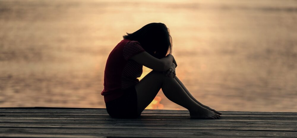 Naine tunnistab: füüsilisest vägivallast hullem oli see, et klassiõed ja isegi vanad mängukaaslased mind ignoreerisid, sosistasid ja minu eest ära jooksid