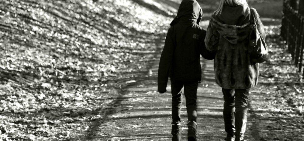 Aeg peeglisse vaadata? 10 soovitust koolistressist vaevatud õpilaste vanematele