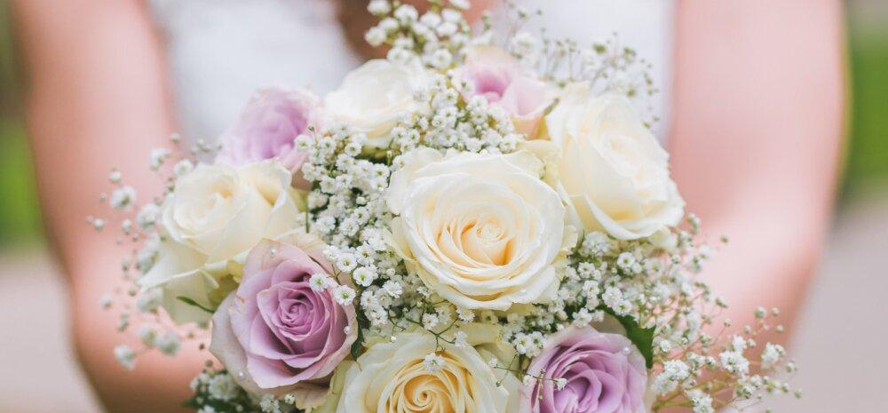 Naisteka pulmablogi: kas teadsid, et traditsiooniliselt valib pruudikimbu hoopis peigmees? Milline on hetke kuumimad pruudikimbulilled?