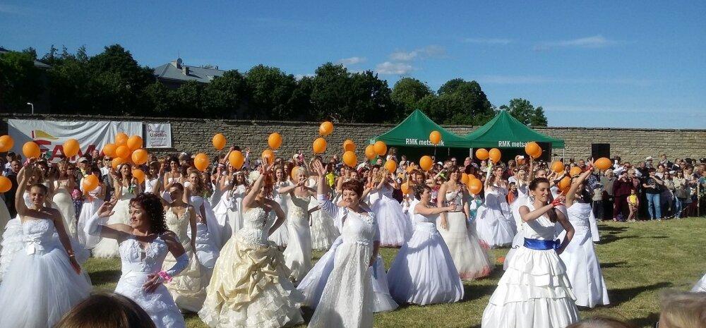 ФОТО читателя Delfi: Куда и зачем сбежали нарвские невесты
