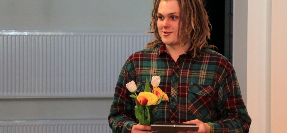 VIDEOD: Noored avaldasid Südemelaulu konkursil oma arvamust ühiskondlikel teemadel läbi laulu, tantsu ja luule