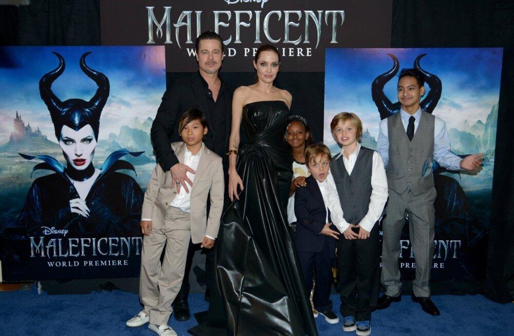 Pitt ja Jolie käisid esilinastusel kogu perega!