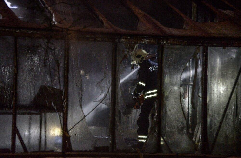 Viljandis põles öösel puukuur