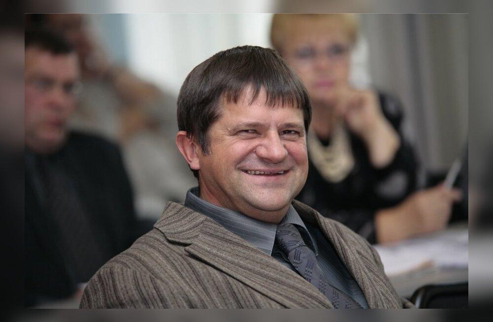 Наказанного за коррупцию переизбранного депутата Нарвского горсобрания Овсянникова могут лишить мандата?