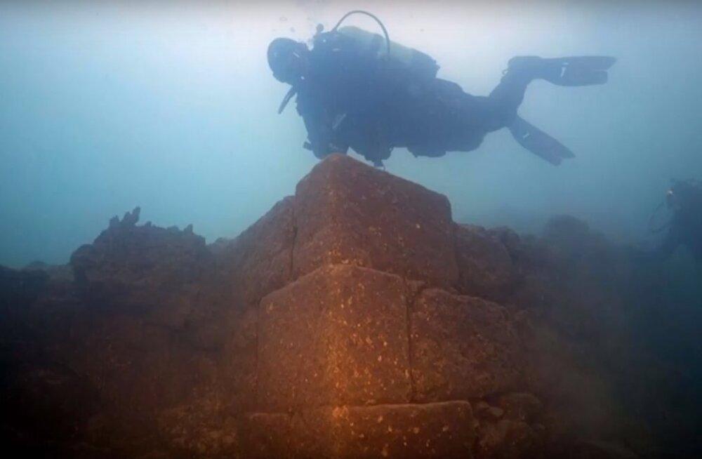 Vanal legendil oli tõepõhi all: Türgis leiti järve põhjast iidse kindluse varemed