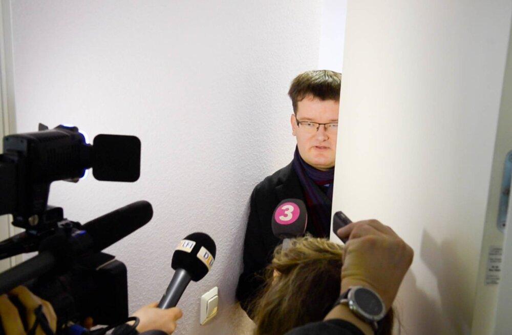 Ametnikel on Kutseri ähvarduskirjad salajases kogus