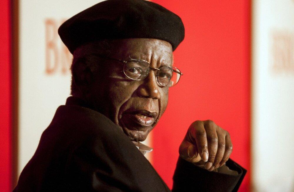 Chinua Achebe kritiseerib lääne kolonisaatoreid nende endi vahenditega.