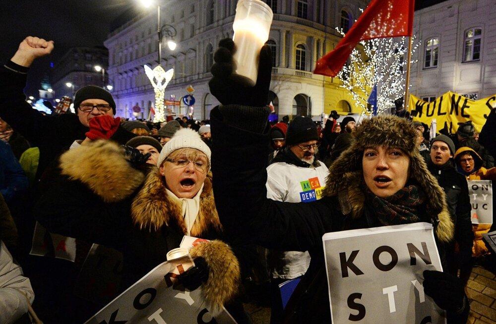 Varssavis Poola presidendipalee lähedal protestiti eelmisel nädalal jälle kohtureformi vastu.
