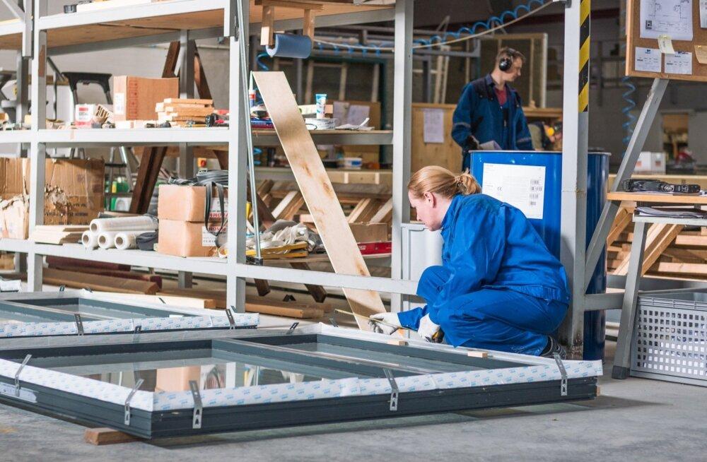 Aeg-ajalt lähetab AS Matek töötajaid neljaks-viieks nädalaks põhjanaabrite juurde Pärnus valmistatud hooneelemente kokku panema.