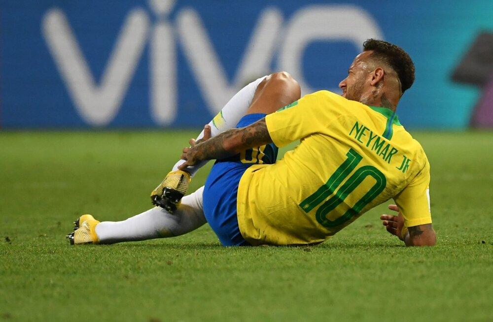 VIDEO | Superstaarist mõnitusobjetiks: Neymari tögamises löövad kaasa isegi tippklubid ja vanaemad