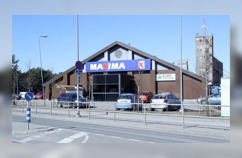 На парковке Maxima в Таллинне виновник аварии кричал, что он — офицер авиации, и стрелял в направлении людей
