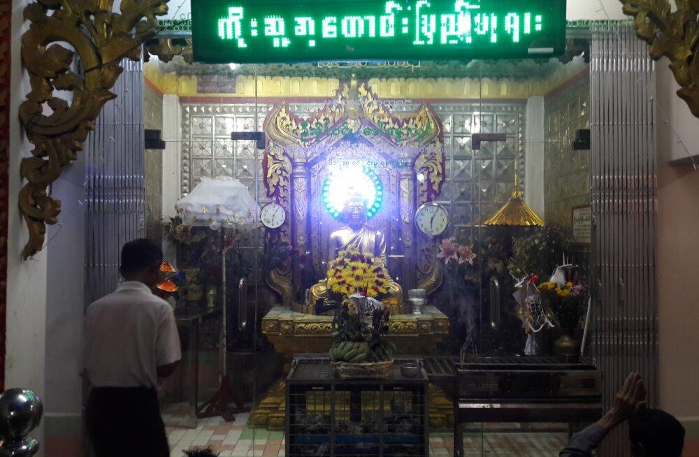 MYANMARI PÄEVIK | OSA 3. Kohalikud märkavad templis eksootilist olevust