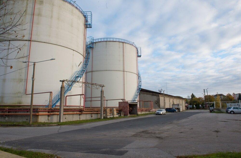 Selles Tallinna tööstuspiirkonnas asuvas hoones püütakse Jetcapitali ühe omaniku Lembit Eespäeva sõnul valmis ehitada seadet, millega saab raskekütteõli jäätmetest bensiini toota.