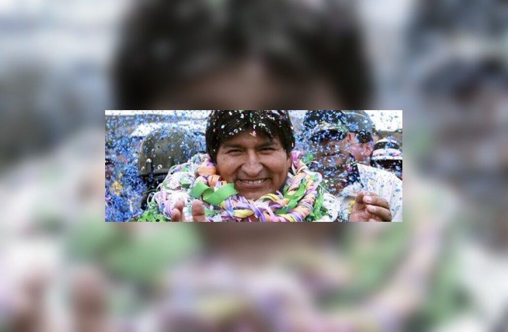Boliivia vasakpoolne president muutis riigi nime