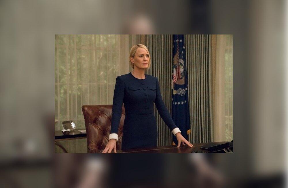 """Äsja uueks presidendiks """"valitud"""" Claire'i (Robin Wright) võitlus USA võimuperekonnaga saab alguse sarjast välja kirjutatud Francise (Kevin Spacey) antud lubadustest. Claire on kirjutatud varasemast veelgi jäisemaks ja südametumaks."""