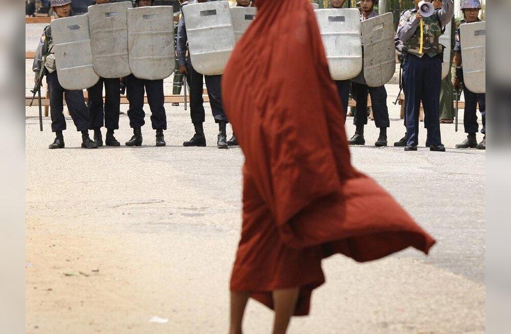 Birma võimud keerasid kinni toiduabi kraanid