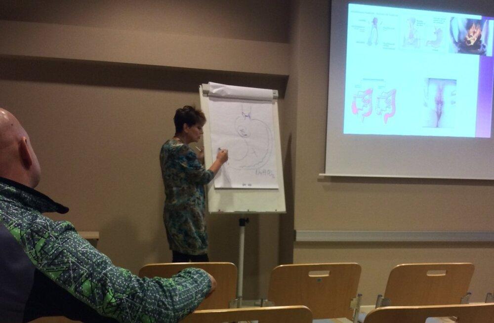 """Jüri tervisekeskuse perearst drRiina Raudsik rääkis oma raamatu """"Energiakriis"""" esitlustuuril, et haigusi põhjustab organismi happeline keskkond ja tervisemured lahendab sooda."""