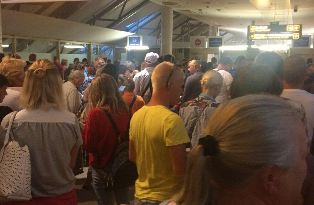 Passikontrolli järjekord Tallinna lennujaamas