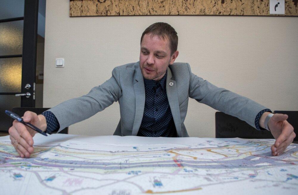 Tallinna kommunaalameti juhataja asetäitja Reio Vesiallik Reidi tee muudetud projektiga.