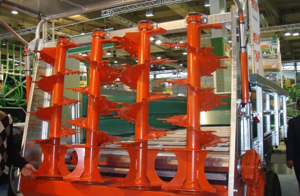 Püstbiitritega laotur sobib hästi tahesõnniku laotamiseks, kuid sellega saab laotada ka komposti.