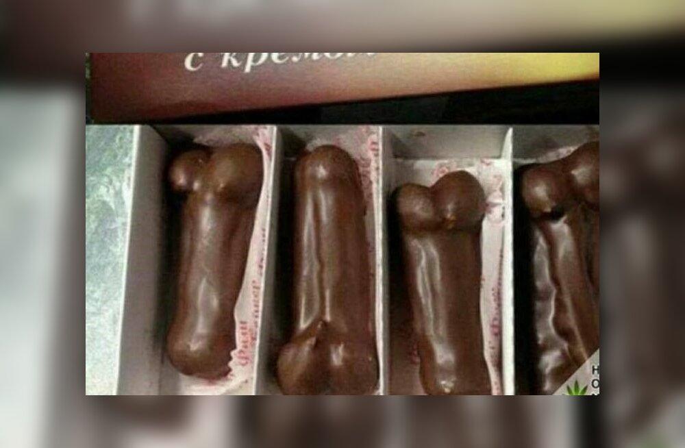 За негативный отзыв Таллиннский ресторан предложил клиенту эклеры в форме мужских гениталий
