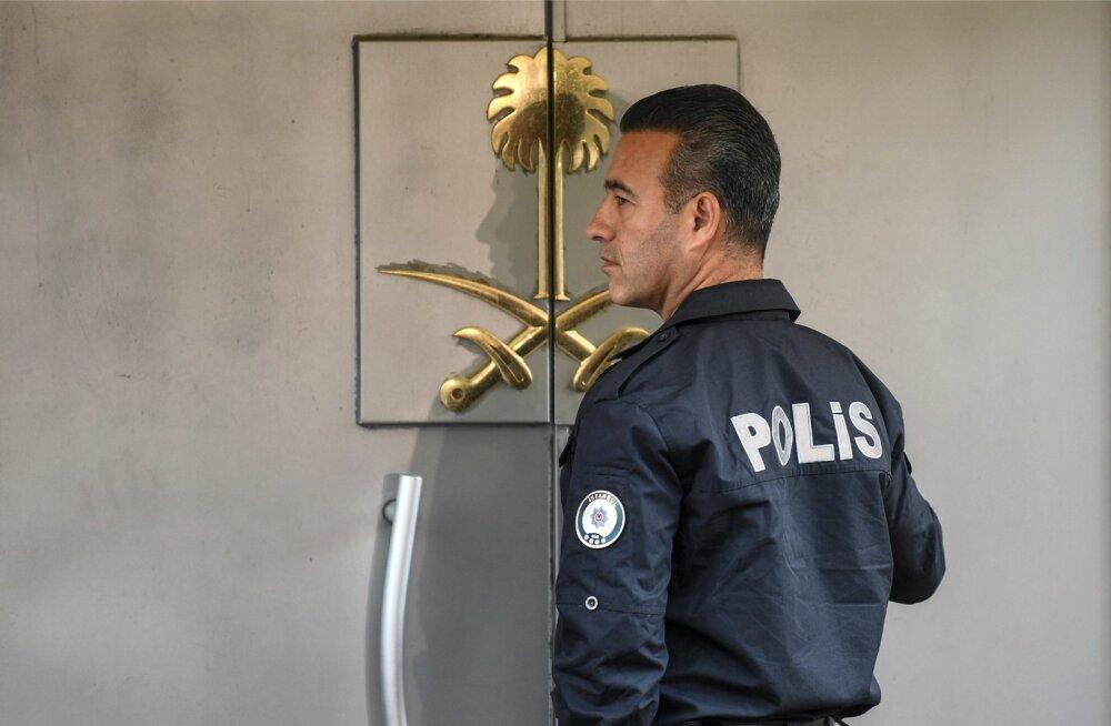 Türgi politseinik Istanbulis Saudi Araabia konsulaadi ees