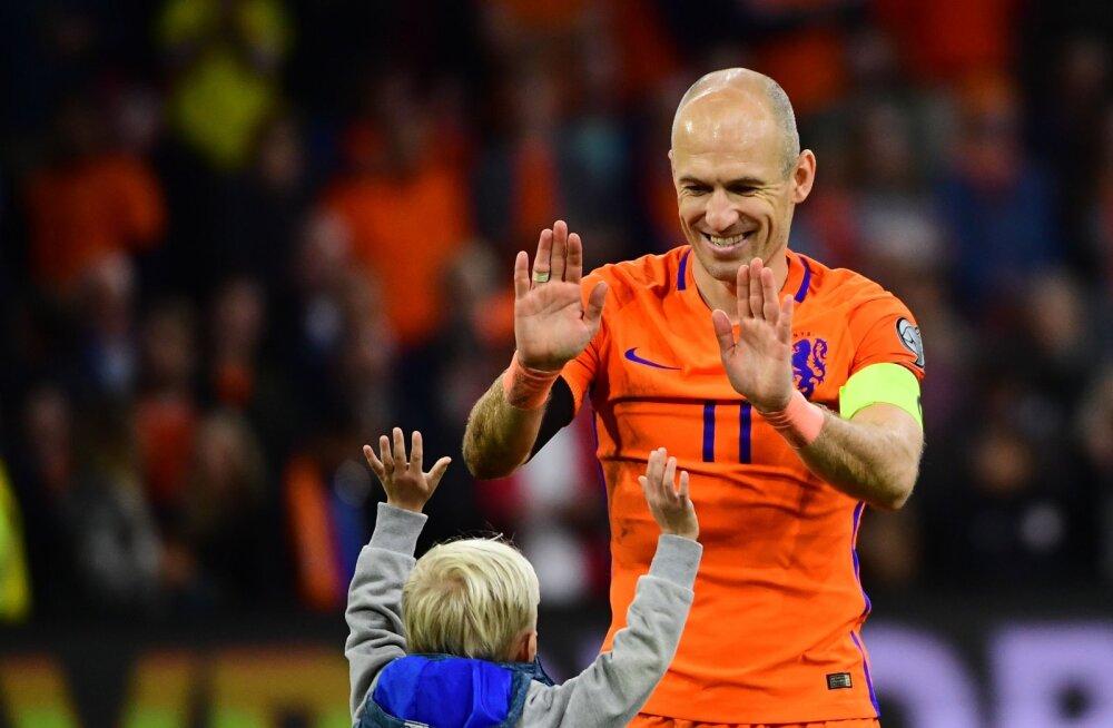Arjen Robben oma pojaga