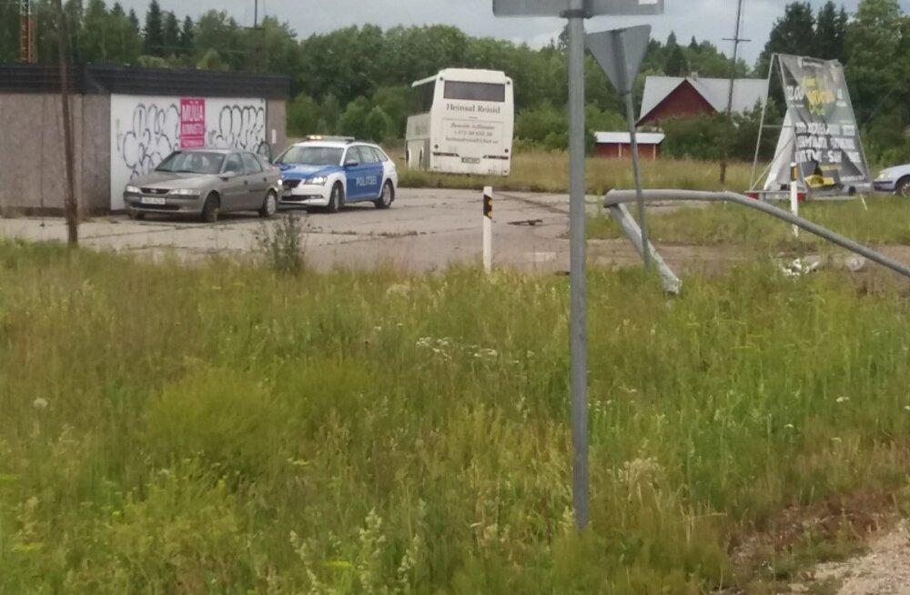 Bussiõnnetus Viljandi maanteel