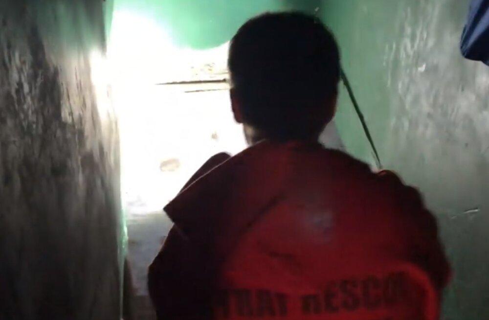 VIDEO | Õnnelik lõpp: majja kolinud mees avastas keldrist jahmatava leiu