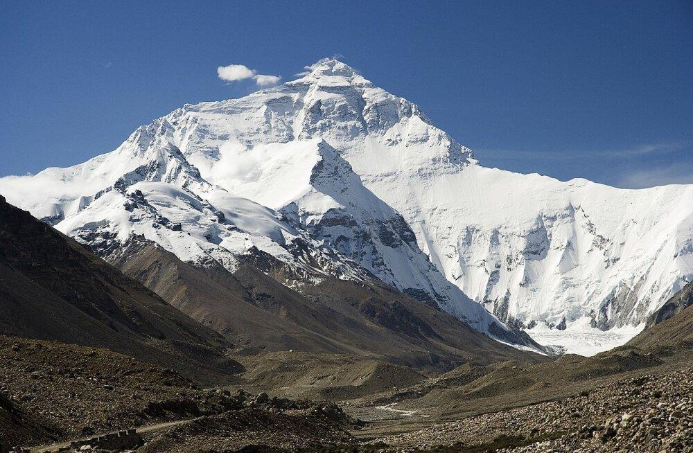 Kuidas maailma kõrgeima mäe kõrgus välja arvutati – eriti arvestades, et see vahel muutub?