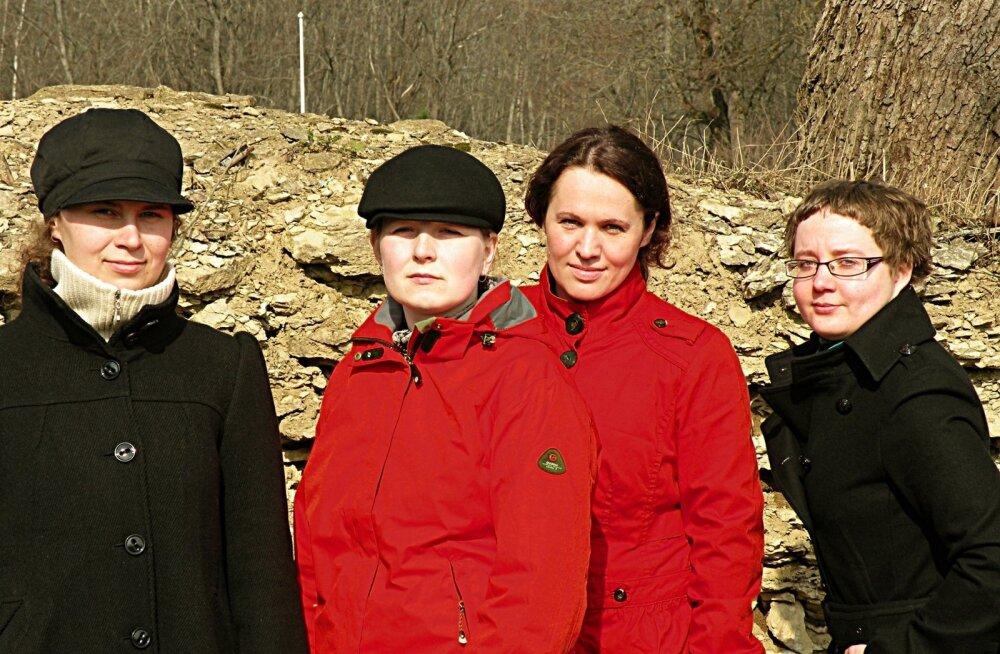 Reedel, 1. aprillil kõlab Klassikaraadio klaveritoas ka saksofonikvartett Quattro Quarti koosseisus Eve Neumann, Jandra Puusepp, Liis Mäevälja, Eha Themas.