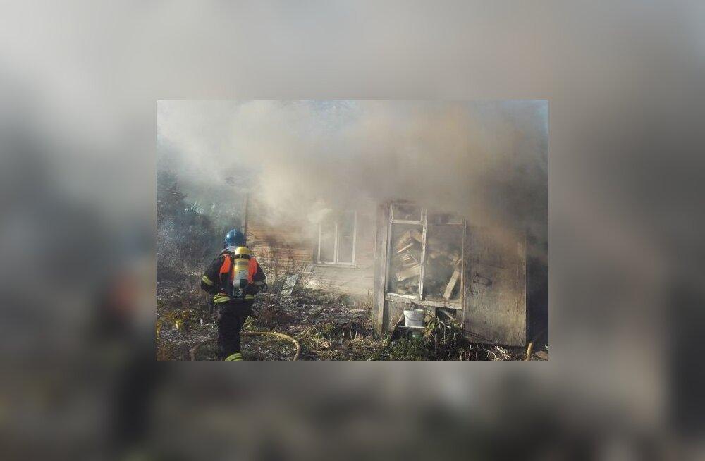 FOTOD | Läänemaal hukkus tulekahjus naine