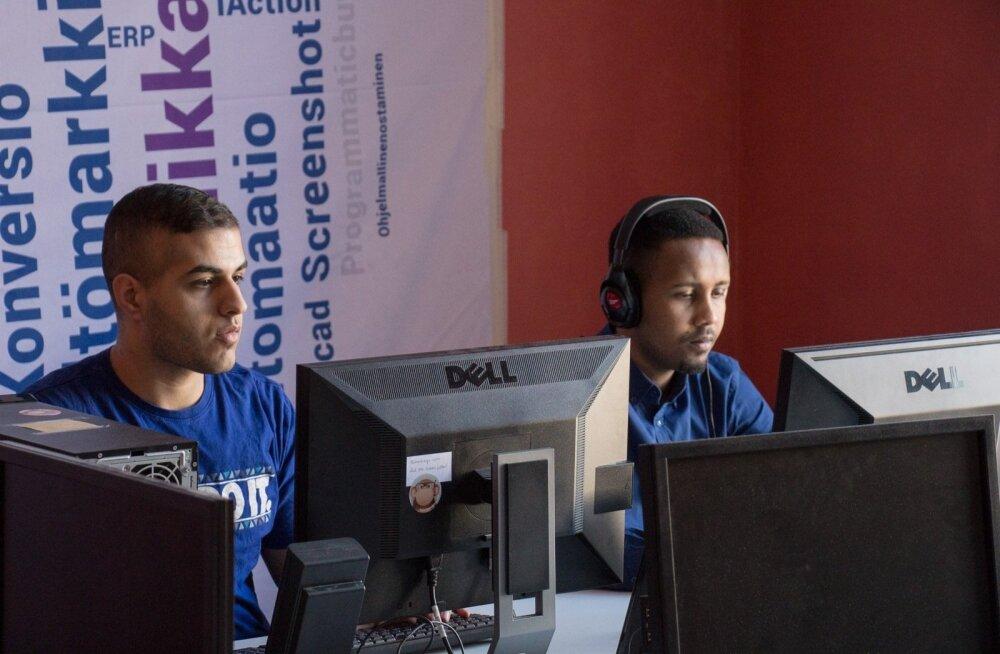 Eyas (Iraak) ja Sharmaake (Somaalia) omandavad pilootprogrammi raames uusi oskusi.