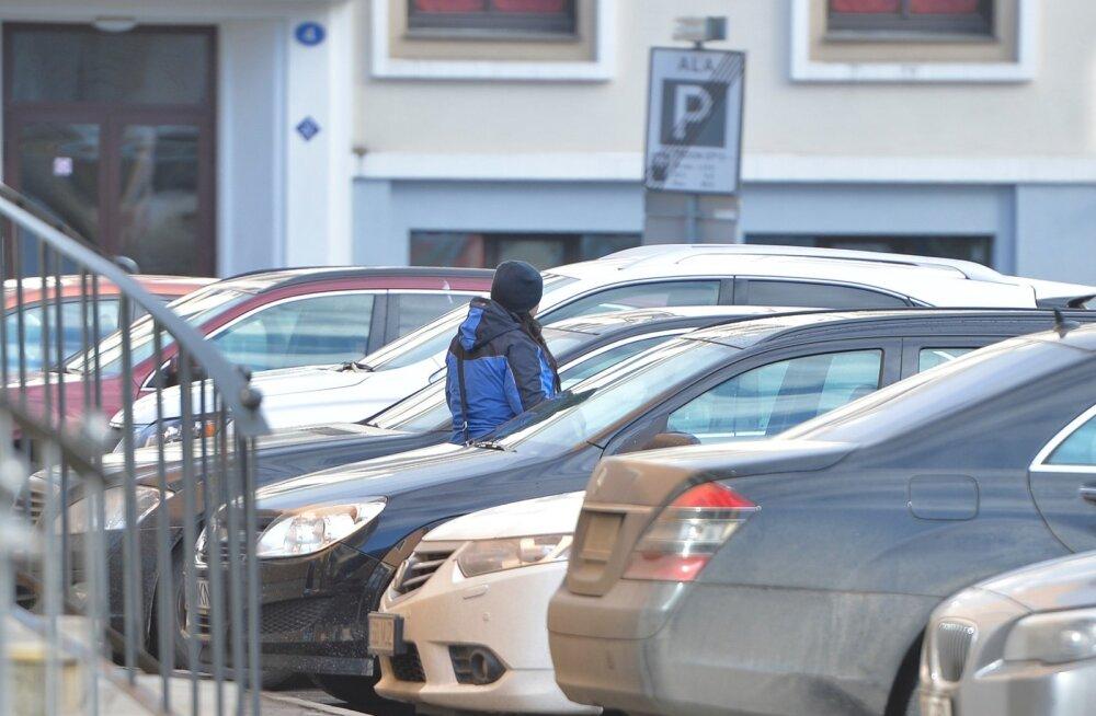 Europarki parklates saab nüüd hõlpsa liigutusega poole odavamalt parkida