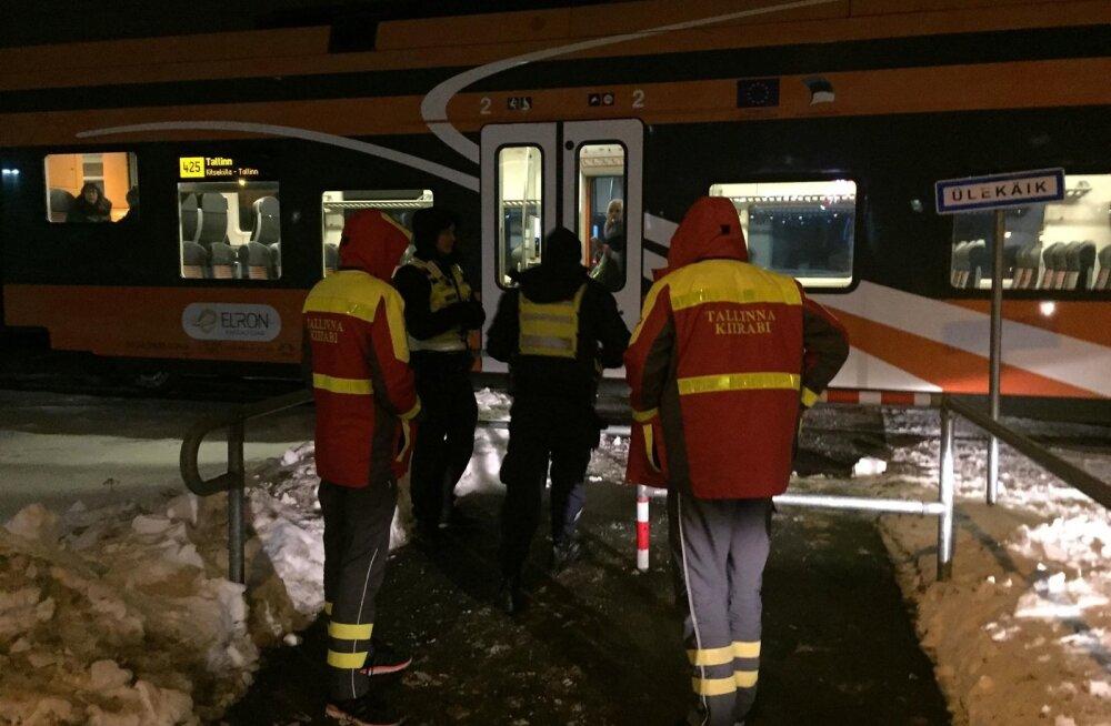 Tallinnas hukkus rongi alla jäänud inimene