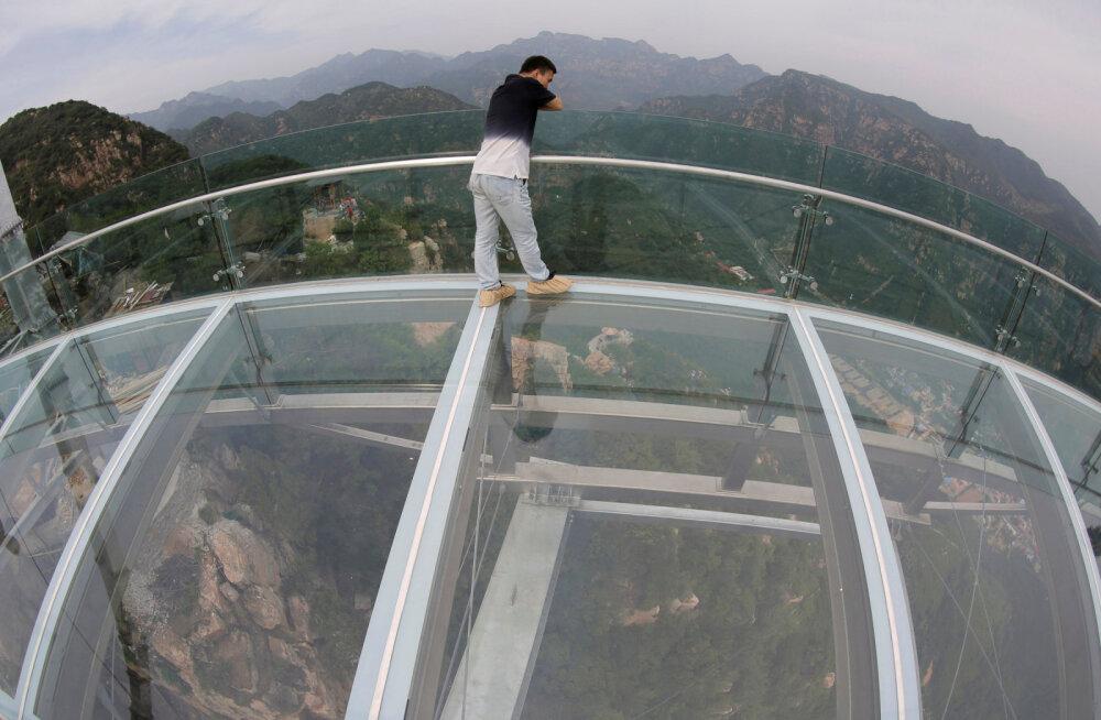 В Китае готовят к открытию смотровую площадку для самых смелых