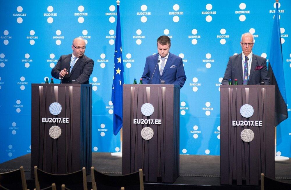 Kultuurikatlas toimus EL-i justiitsministeeriumite esindajate kohtumine, mis näitas, et Urmas Reinsalul (keskel) pole piisavalt inimesi ega jõudu, et kommunismikuritegude keskuse ideed Euroopas läbi suruda. Pildil on ka Poola ja Rootsi esindajad.