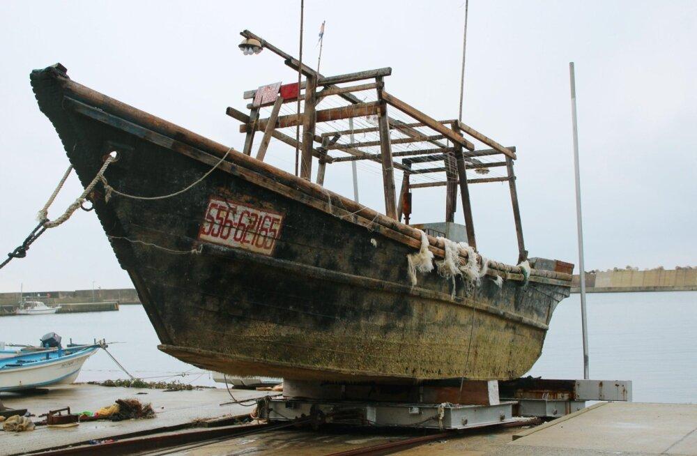 Jaapani tondilaevade saladus: ilmselt on tegemist Kimi käsku täites hukkunud Põhja-Korea kaluritega