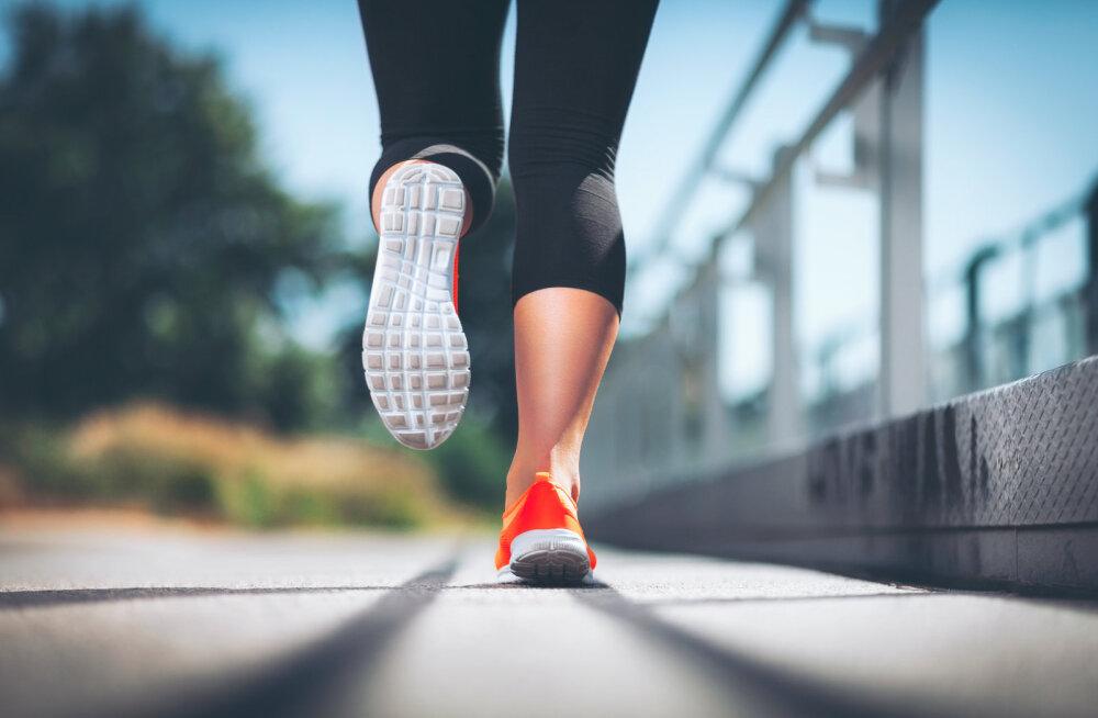 5 причин, почему нельзя бегать в обычных кроссовках