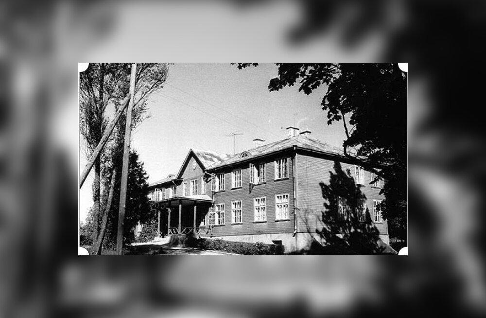 HIIE AJALOOVEERG: 1905 põletati Eestis maha üle saja mõisahoone