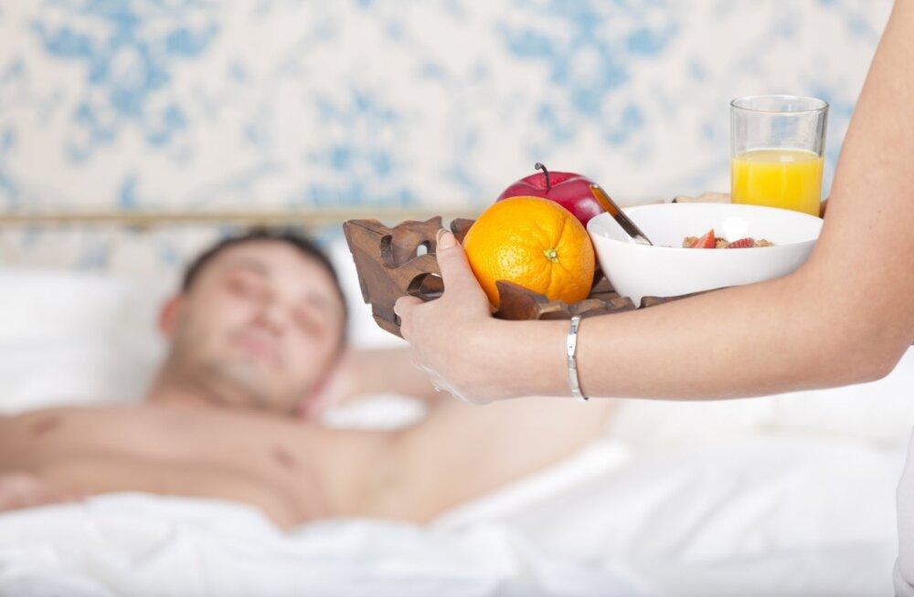 Võta õppust: kaheksa põhjust, miks naised rohkem meeste moodi sööma peaksid