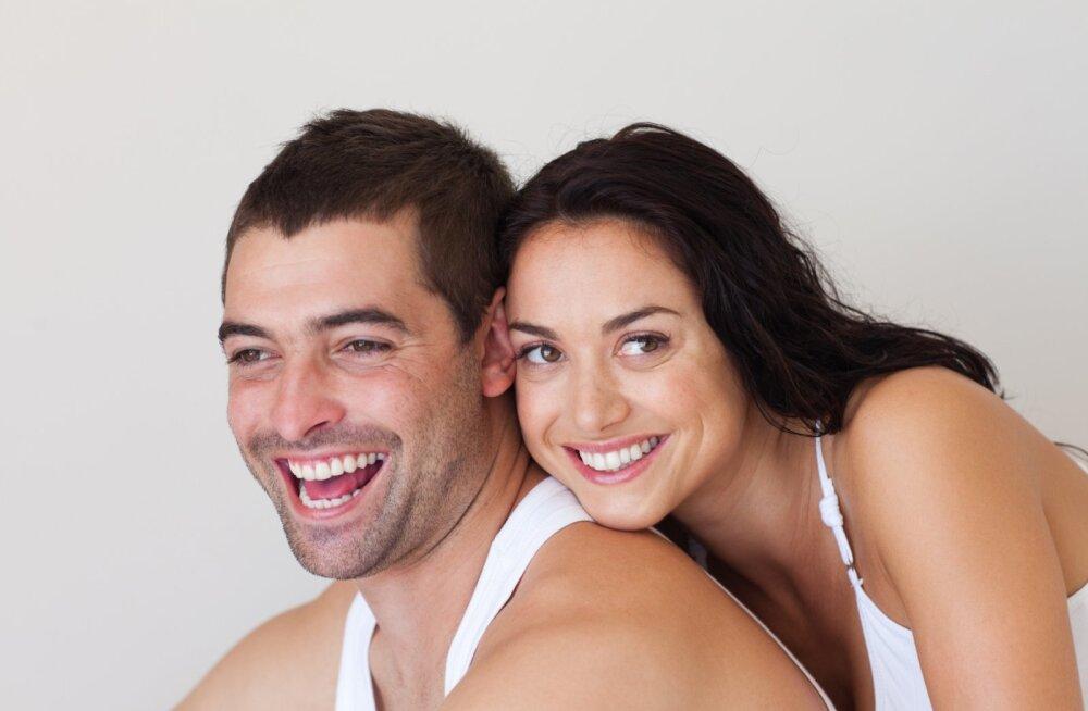 Selleks, et te partneriga tõepoolest teineteist mõistaksite, tuleb ära õppida armastuse keel — viis soovitust!