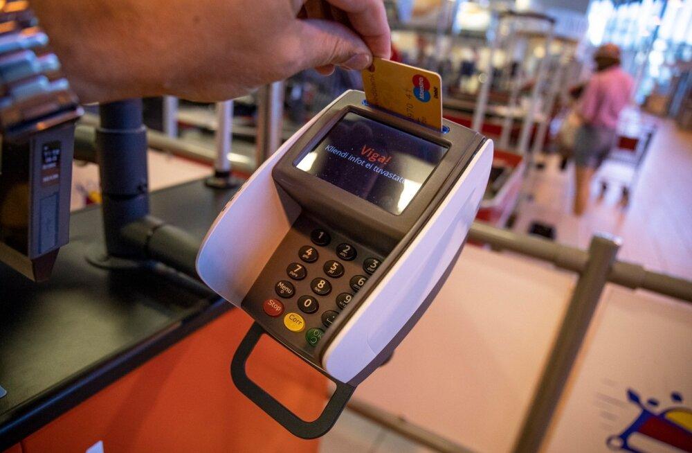 Kaardimaksete süsteemil lõi jalad alt masinavärgi täielik hangumine