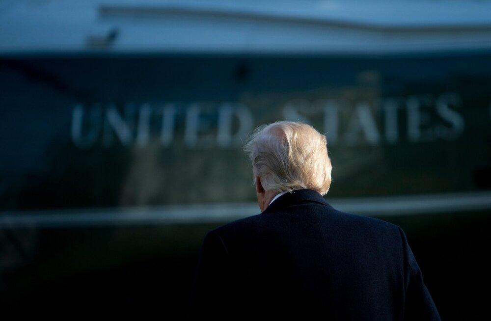 Välispoliitikaeksperdid on kindlad, et 2018. aastal ettearvamatut USA presidenti Donald Trumpi ametist ei tagandata.