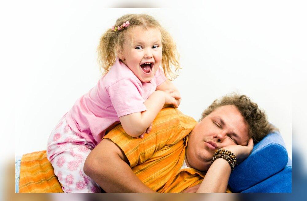 Sa ei saa oma pöörase väikelapsega hakkama — need on kriisireguleerijate nipid, mis sobivad ideaalselt ka lapsevanematele