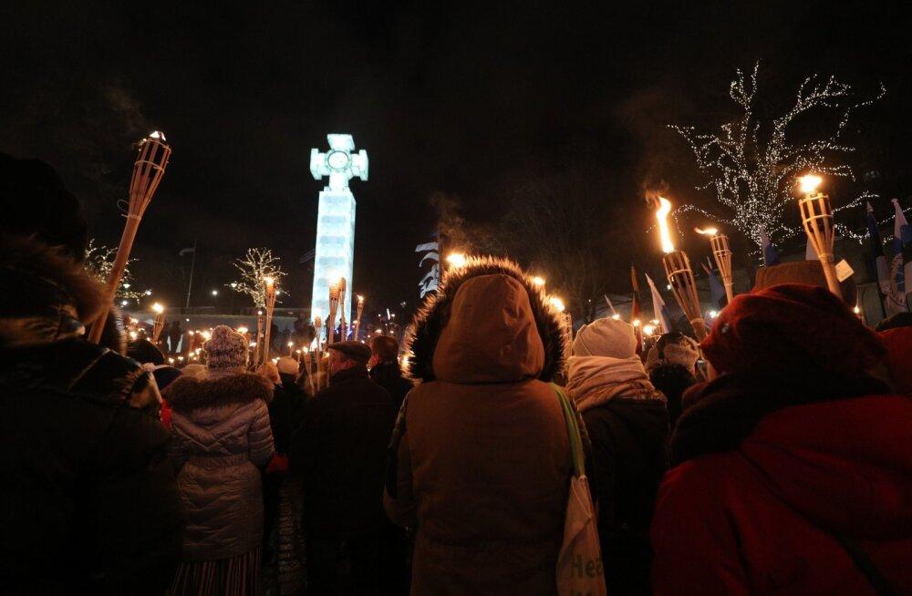 JUHTKIRI | Rahvusmõõgad tuppe tagasi
