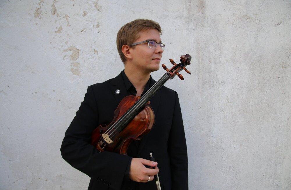 """""""Talendid kodus"""" toob Tallinna Kammerorkestri kodusaali esinema Traksmanni ja Kangase"""