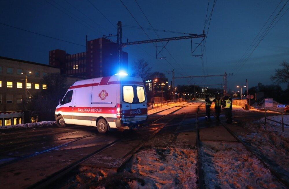 ГЛАВНОЕ ЗА ДЕНЬ: Тартусцы выступают против строительства целлюлозного завода, ЧП на железнодорожном переезде в Тонди