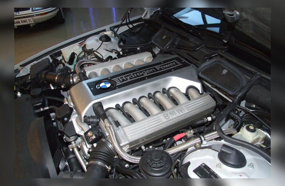 Probleem: Millega asendada plaatina vesinikuautode kütuseelementides?